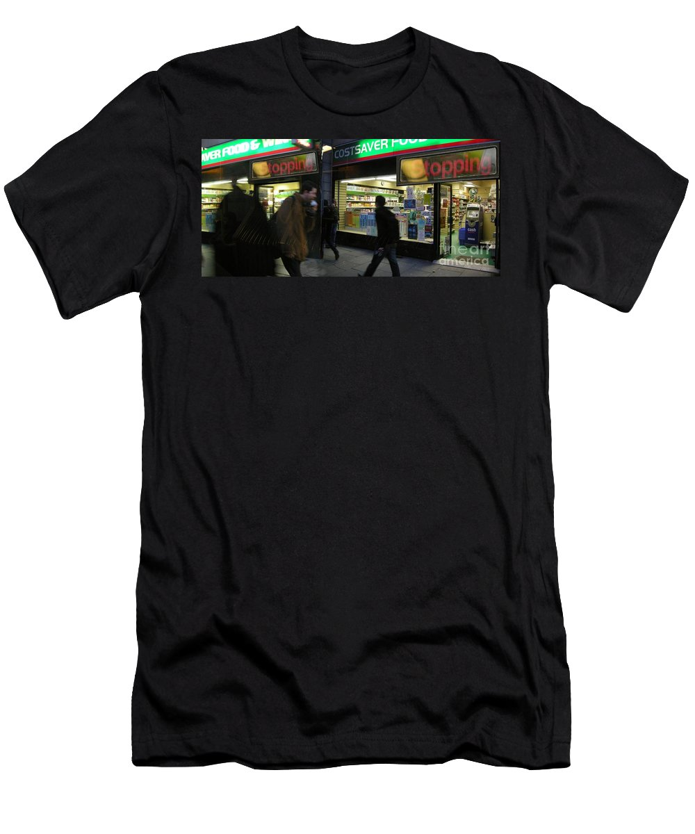 London Men's T-Shirt (Athletic Fit) featuring the photograph Stopping by Ze DaLuz