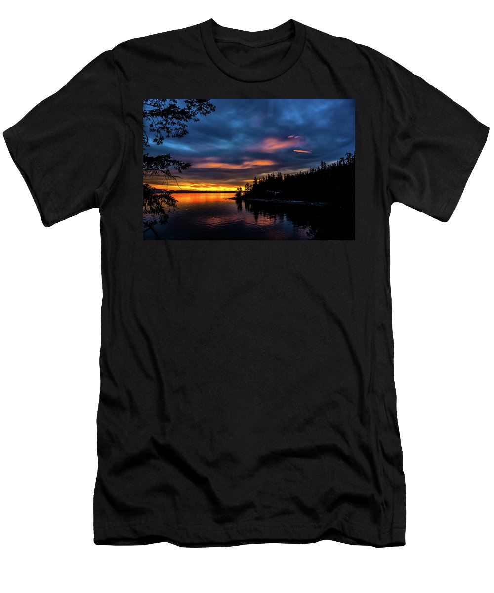 Sunset Men's T-Shirt (Athletic Fit) featuring the photograph Straight Of Georgia by Glenn McGloughlin