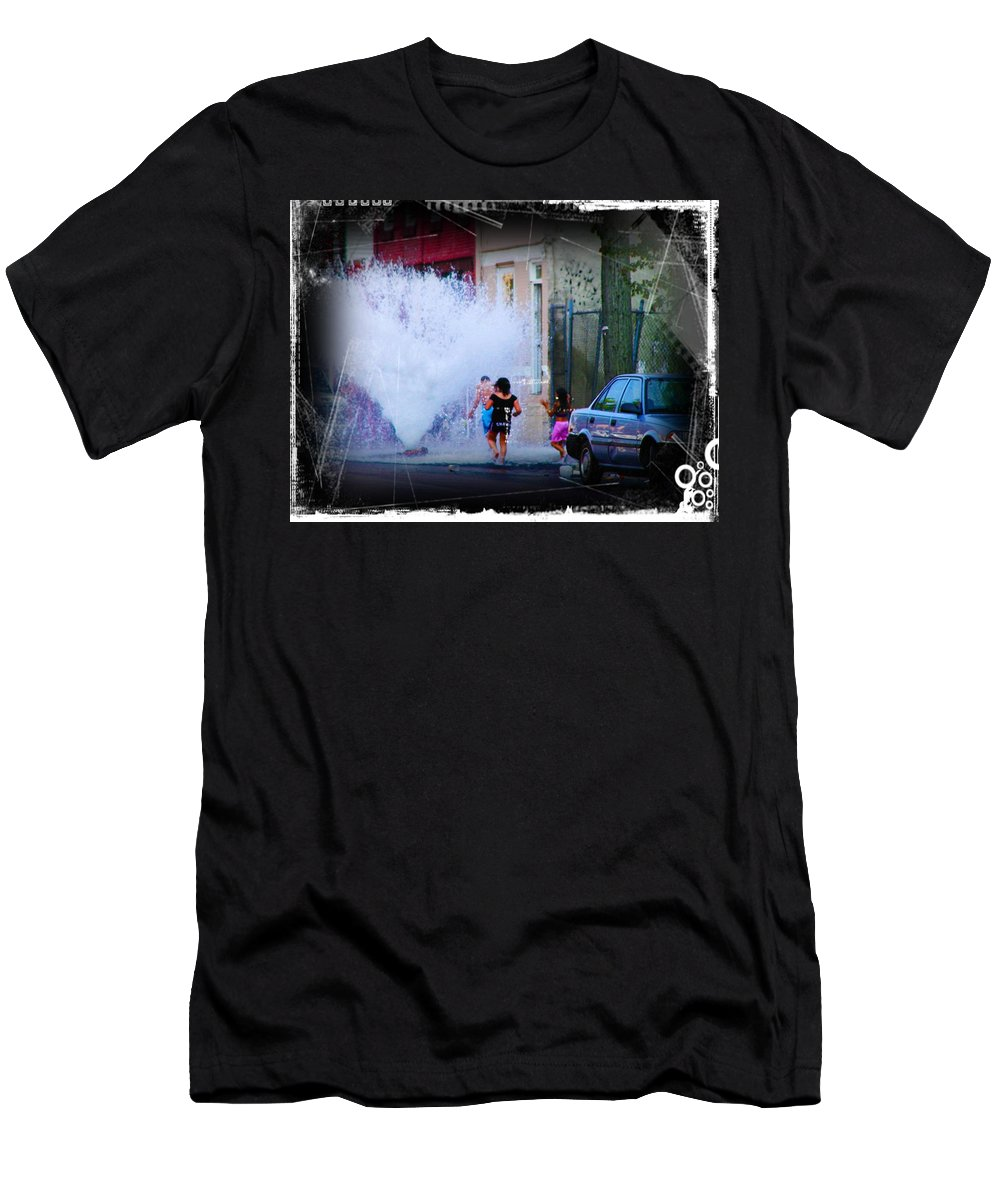 Fountain Men's T-Shirt (Athletic Fit) featuring the photograph Summer In The City by Bill Cannon