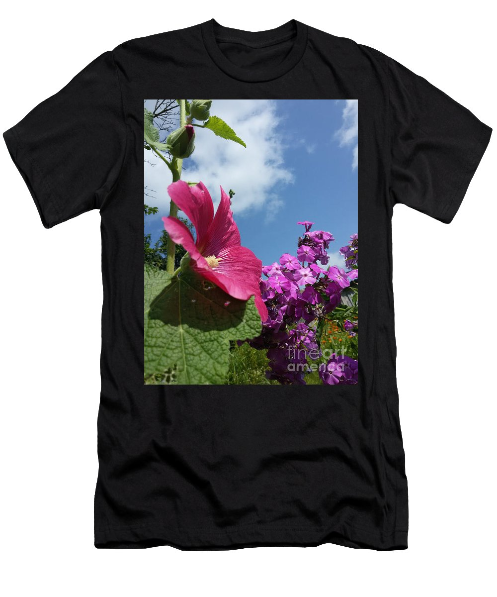 Foto Men's T-Shirt (Athletic Fit) featuring the photograph Summer Time by Elena Nikolaenko