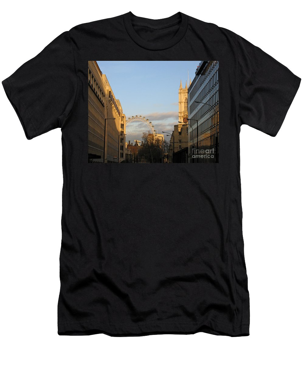 London Men's T-Shirt (Athletic Fit) featuring the photograph Sun Sets On London by Ann Horn