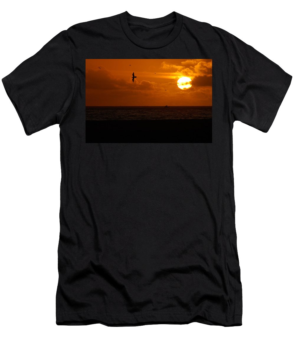 Clay Men's T-Shirt (Athletic Fit) featuring the photograph Sundown Flight by Clayton Bruster