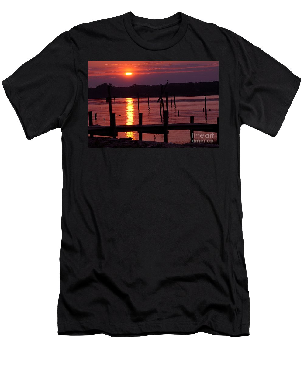 Clay Men's T-Shirt (Athletic Fit) featuring the photograph Sunset At Colonial Beach by Clayton Bruster