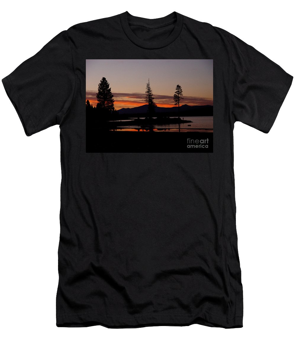 Lake Almanor Men's T-Shirt (Athletic Fit) featuring the photograph Sunset At Lake Almanor 02 by Peter Piatt
