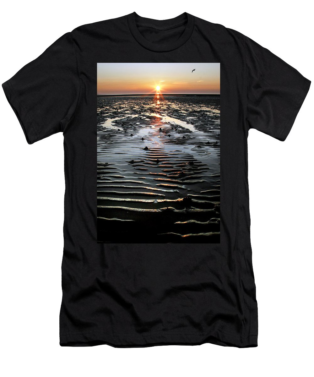 Sunset Men's T-Shirt (Athletic Fit) featuring the photograph Sunset At The West Shore Llandudno by Mal Bray