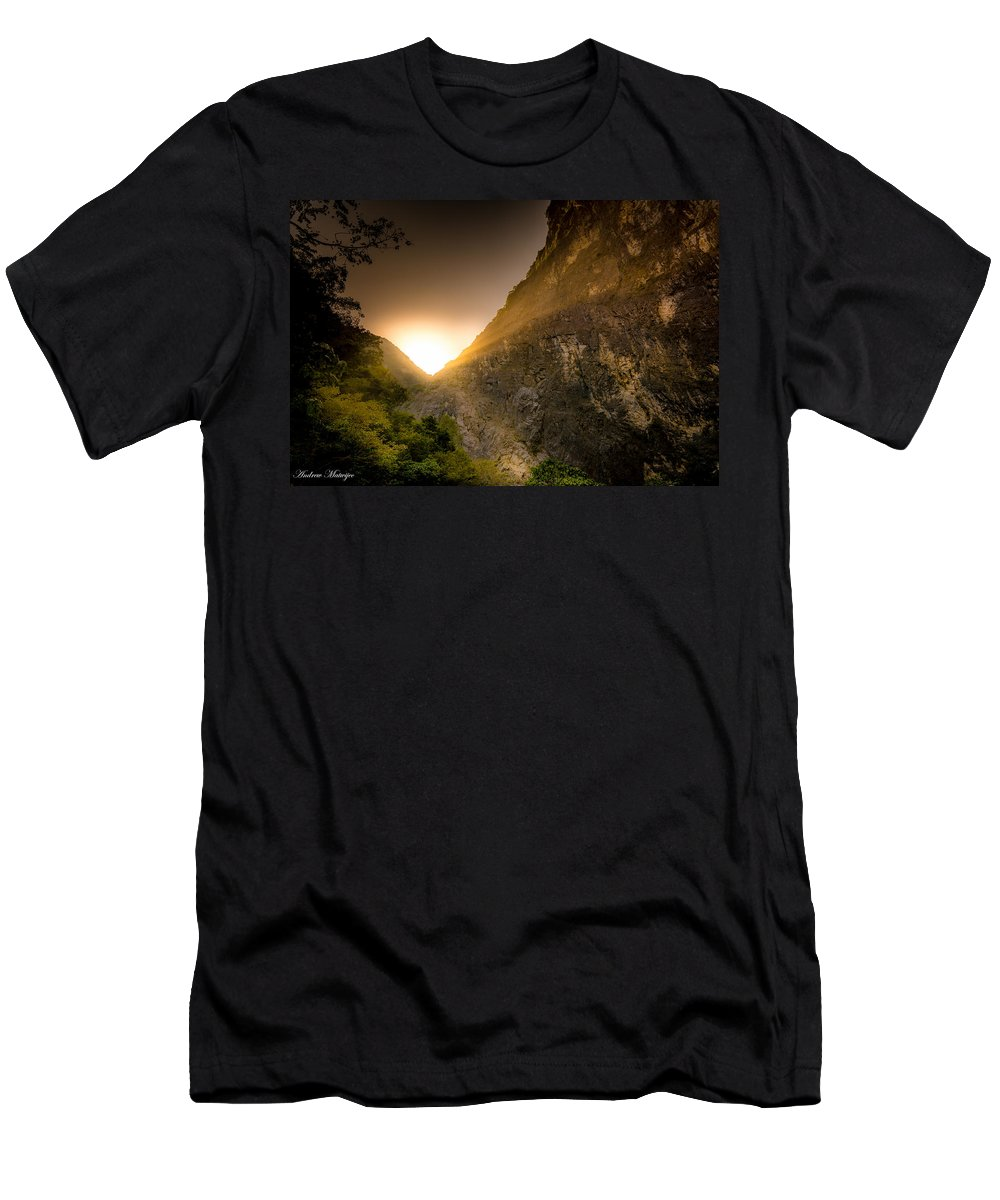 Rocks Men's T-Shirt (Athletic Fit) featuring the photograph Sunset Over The Gorge by Andrew Matwijec
