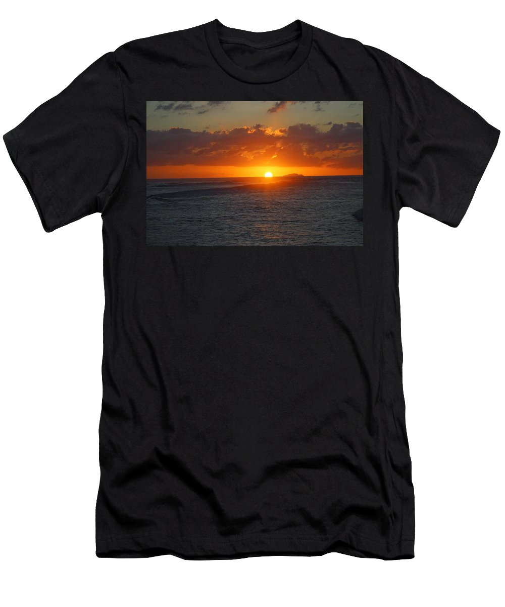 Men's T-Shirt (Athletic Fit) featuring the photograph Surfers Beach by Ramon Reyes