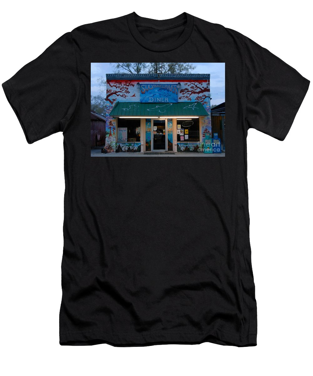 Suwanee River Men's T-Shirt (Athletic Fit) featuring the photograph Suwannee River Diner by David Lee Thompson