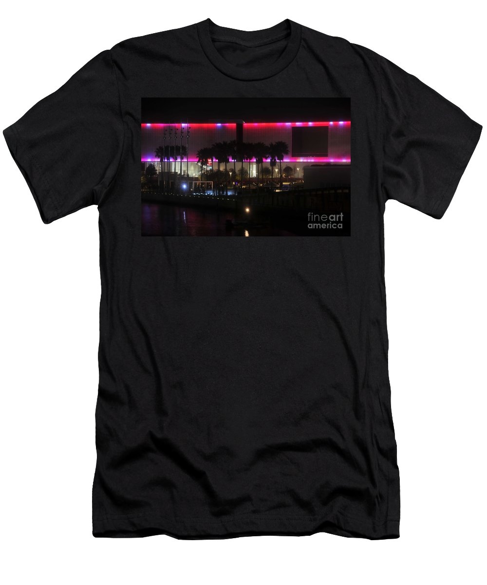Tampa Museum Of Art Men's T-Shirt (Athletic Fit) featuring the photograph Tampa Museum Of Art by David Lee Thompson