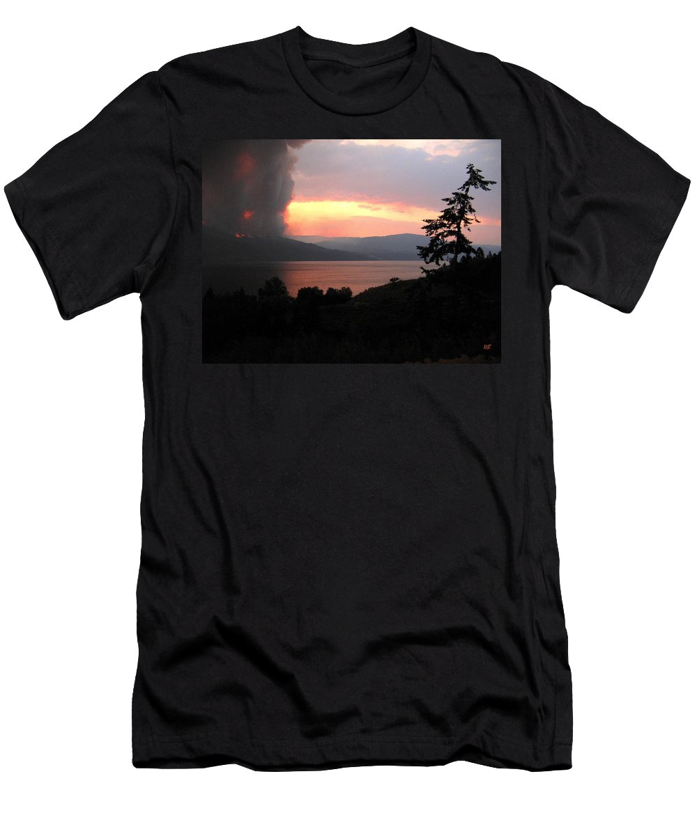 Forest Fire Men's T-Shirt (Athletic Fit) featuring the photograph Terrace Mountain Fire 4 by Will Borden