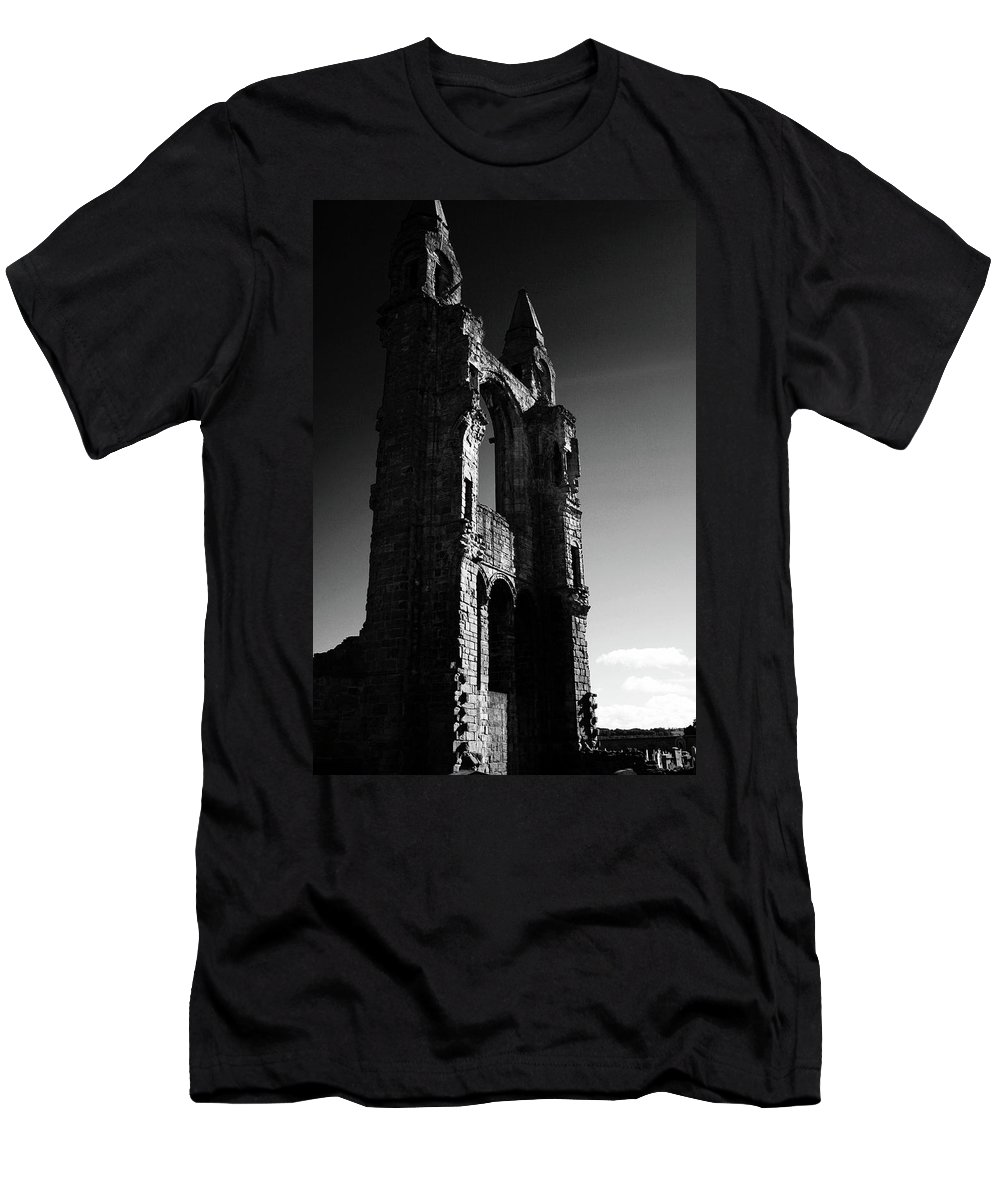 Ruin Men's T-Shirt (Athletic Fit) featuring the photograph The Cathedral Wall by Hannah Goddard-Stuart