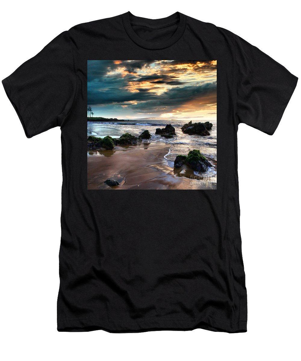 Aloha Men's T-Shirt (Athletic Fit) featuring the photograph The Absolute by Sharon Mau