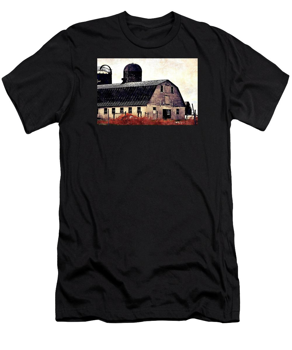 Barn Men's T-Shirt (Athletic Fit) featuring the photograph The Barn by Shelley Smith