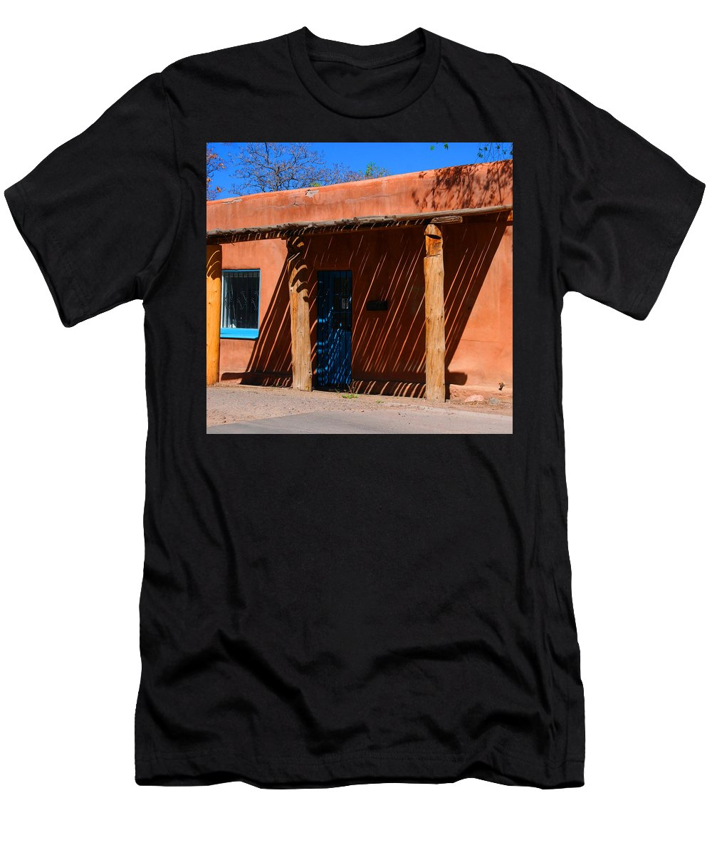 Santa Fe Men's T-Shirt (Athletic Fit) featuring the photograph The Big Shade by Susanne Van Hulst