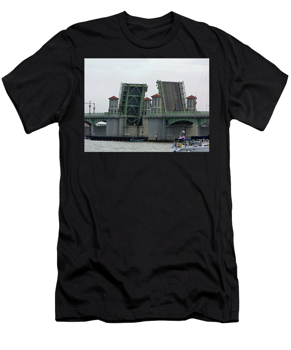 Bridge Of Lions Men's T-Shirt (Athletic Fit) featuring the photograph The Bridge Of Lions Open For Boats by D Hackett