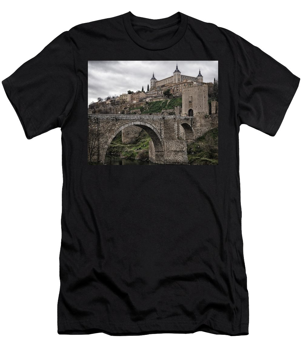 Alcazar Men's T-Shirt (Athletic Fit) featuring the photograph The Castle And The Bridge by Joan Carroll