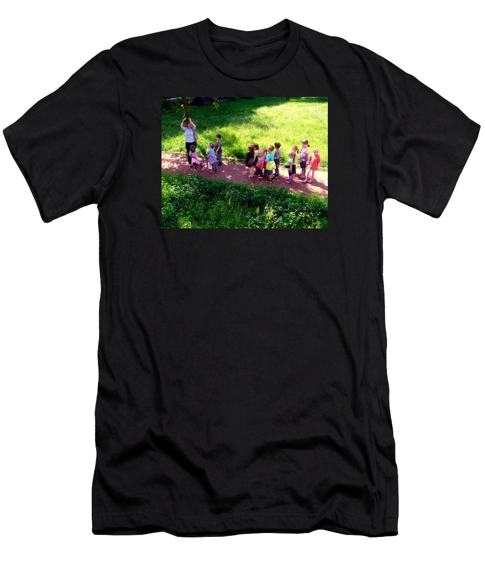Henryk Men's T-Shirt (Athletic Fit) featuring the photograph The Discovery Of Rowan by Henryk Gorecki