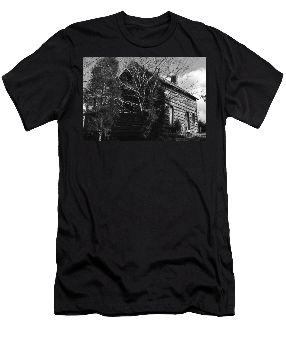 Cabins Men's T-Shirt (Athletic Fit) featuring the photograph The Homestead by Richard Rizzo
