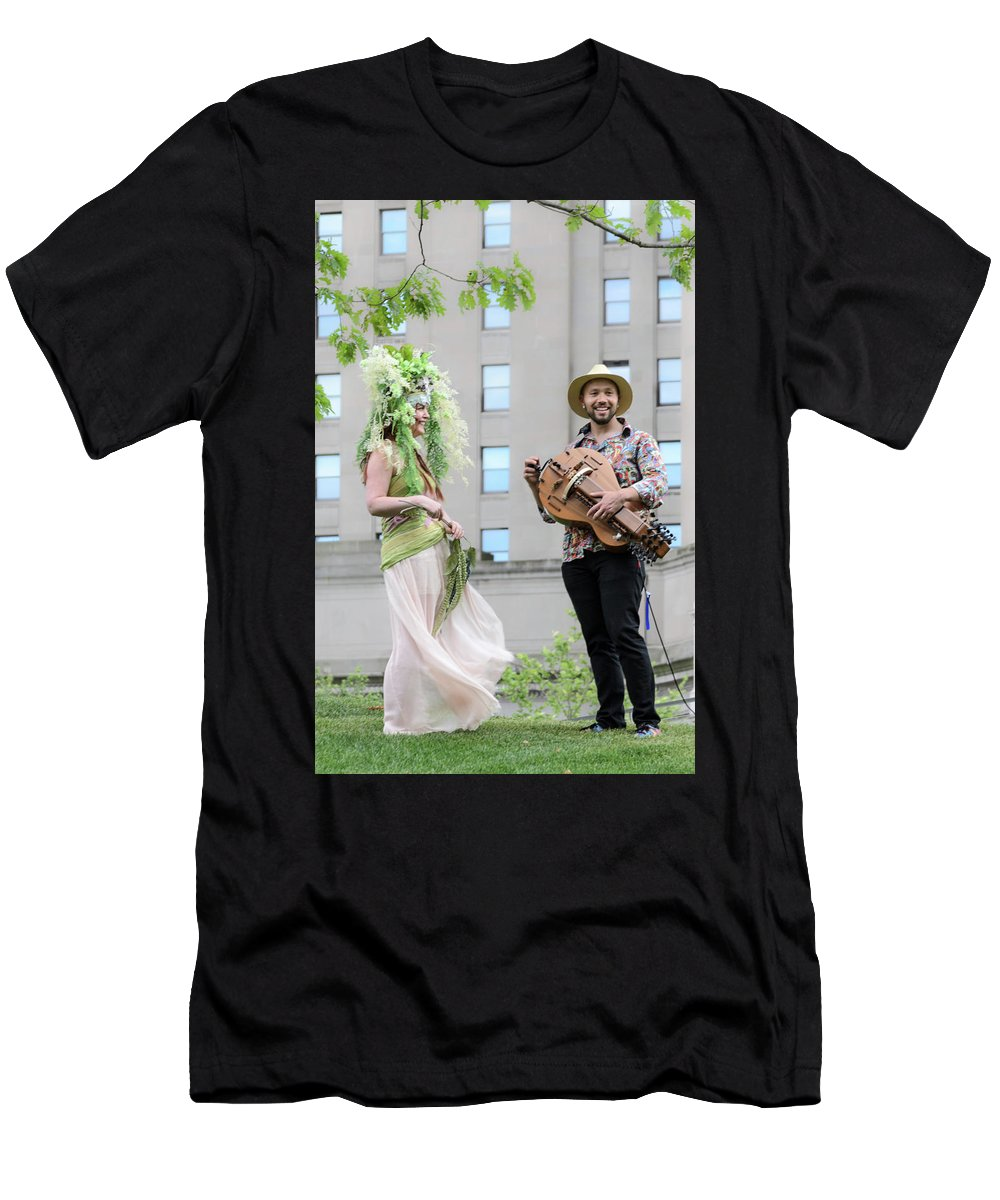 Cleveland Men's T-Shirt (Athletic Fit) featuring the photograph The Hurdy Gurdy by Stewart Helberg