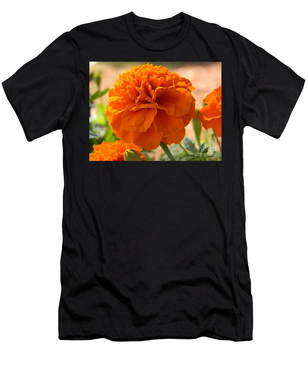 Flower Men's T-Shirt (Athletic Fit) featuring the photograph The Last Marigold by Leslie Revels