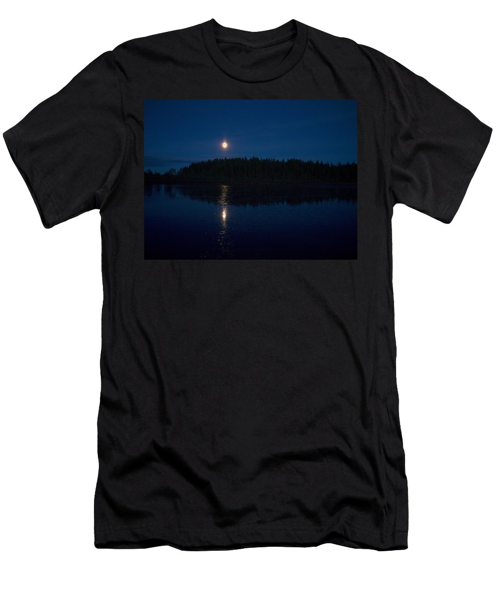 Lehtokukka Men's T-Shirt (Athletic Fit) featuring the photograph The Moon Over Saari-soljanen by Jouko Lehto