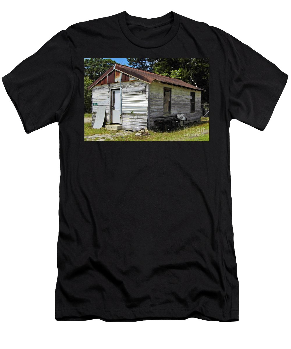 Home Men's T-Shirt (Athletic Fit) featuring the photograph The Other Side Of This Old House by D Hackett