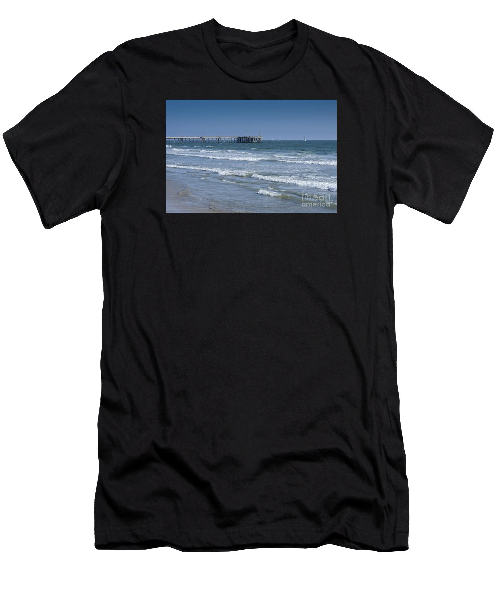 Waves Men's T-Shirt (Athletic Fit) featuring the photograph The Venice Pier 1 by Kevin McCall