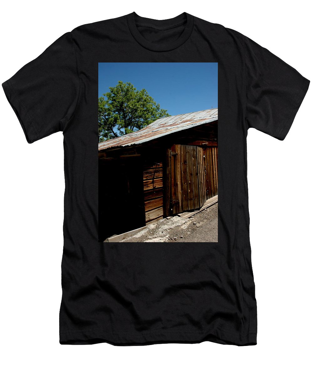 Usa Men's T-Shirt (Athletic Fit) featuring the photograph The Wood Shed by LeeAnn McLaneGoetz McLaneGoetzStudioLLCcom