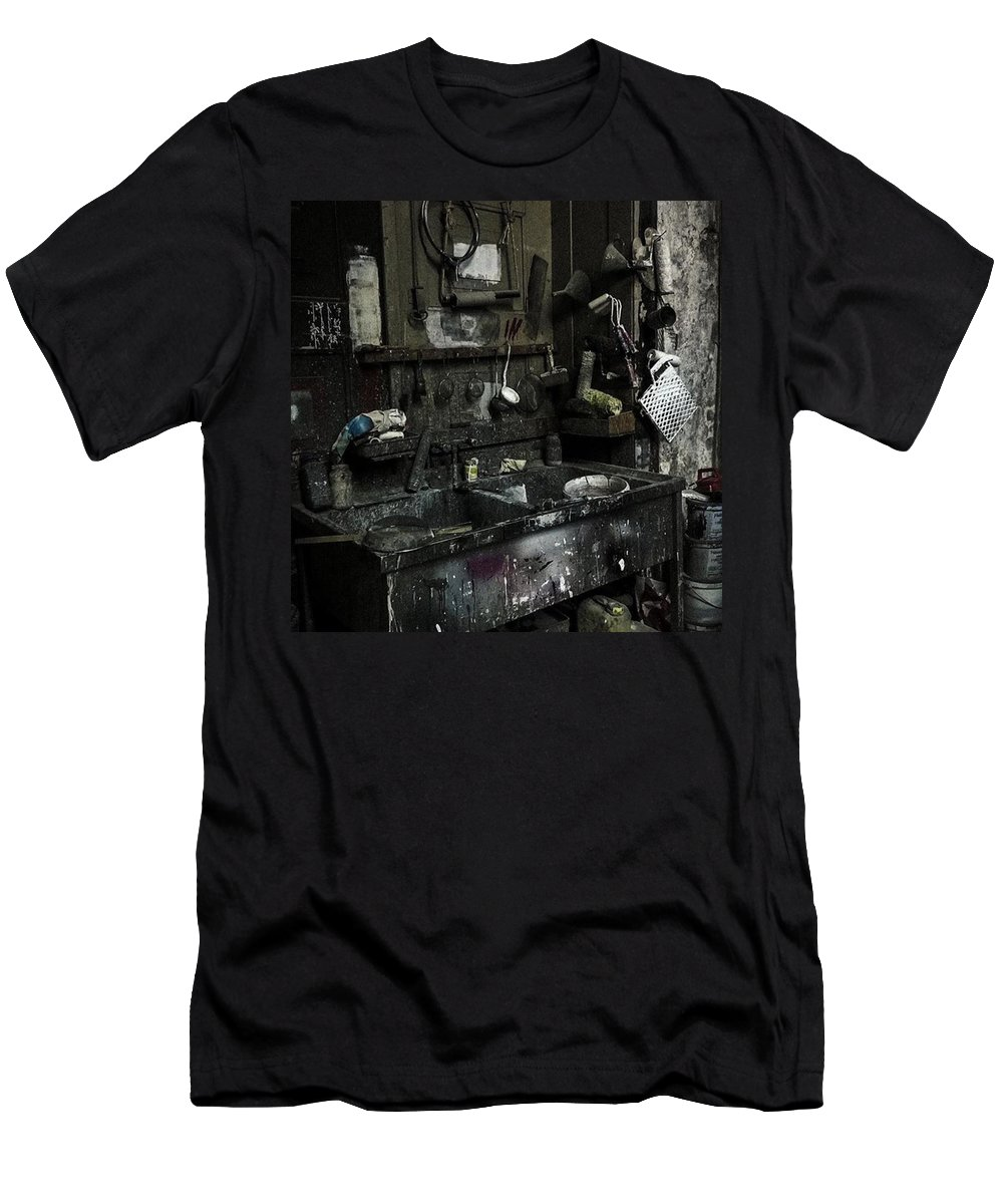 Werkstatt Men's T-Shirt (Athletic Fit) featuring the photograph Theater-werkstatt.  #werkstatt by Mandy Tabatt