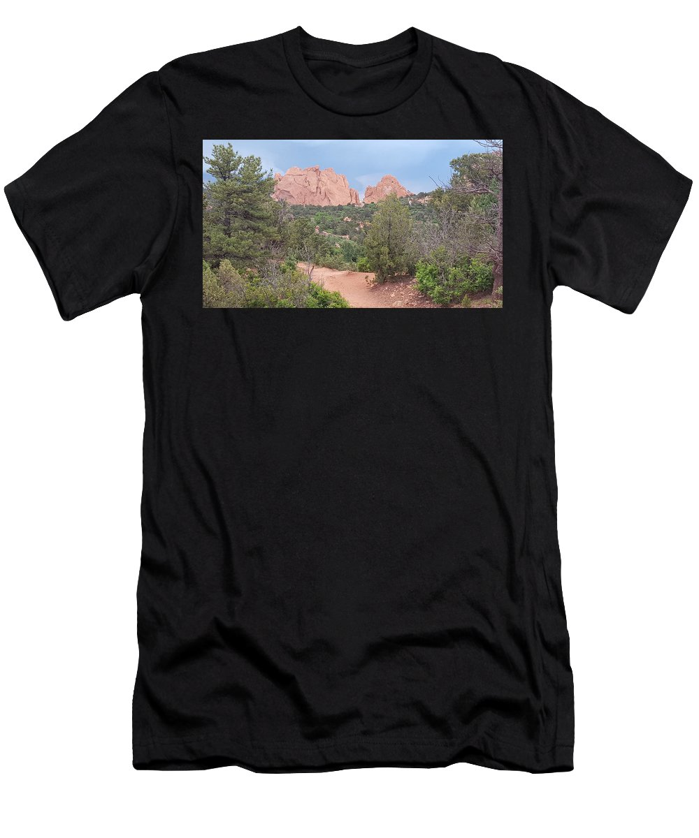 Garden Of The Gods Men's T-Shirt (Athletic Fit) featuring the photograph Trail Through The Garden by David McGill