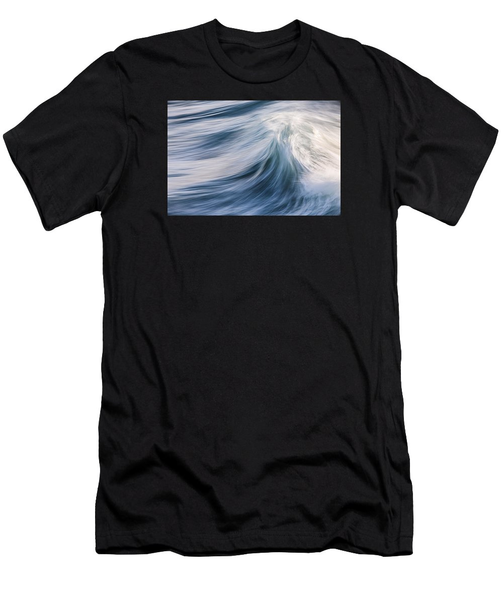 Wave Men's T-Shirt (Athletic Fit) featuring the photograph Transverse Xviii by Justin Bartels