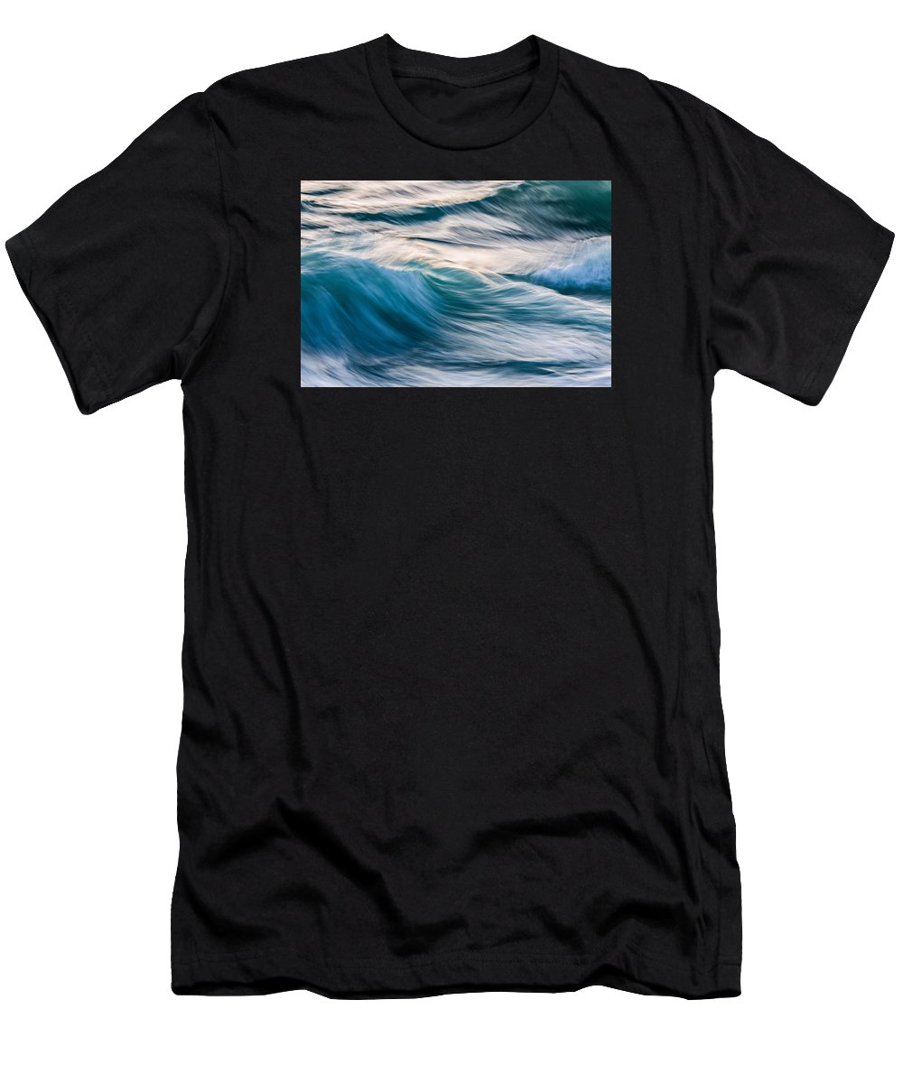Wave Men's T-Shirt (Athletic Fit) featuring the photograph Transverse Xx by Justin Bartels