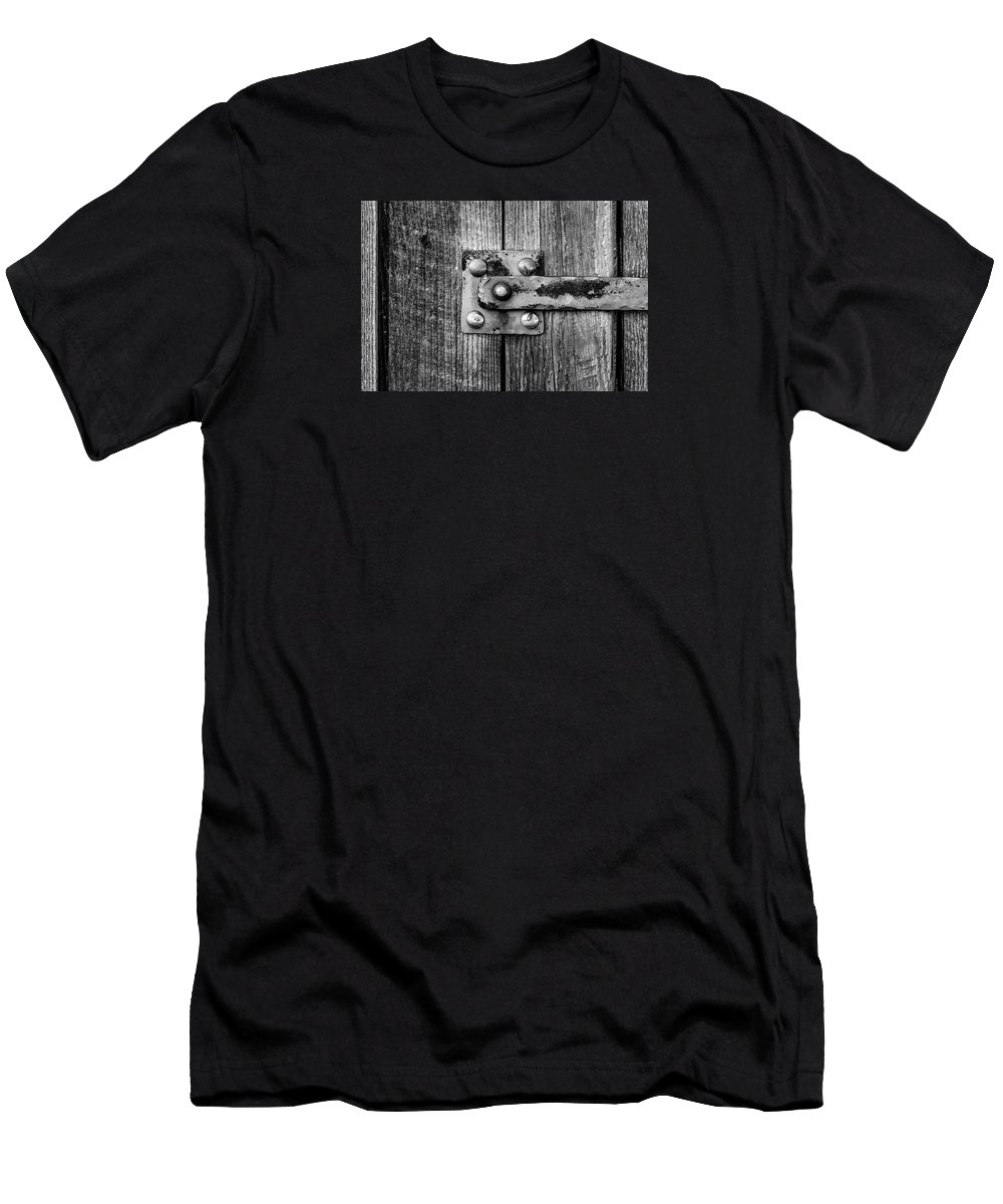 Michigan Men's T-Shirt (Athletic Fit) featuring the photograph Treat Farm 1 by Heather Kenward
