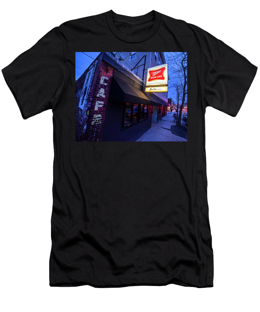 Trinas Men's T-Shirt (Athletic Fit) featuring the photograph Trinas Cambridge 3 by Toby McGuire