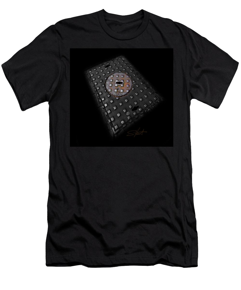 Urban Men's T-Shirt (Athletic Fit) featuring the photograph Urban Voice by Charles Stuart