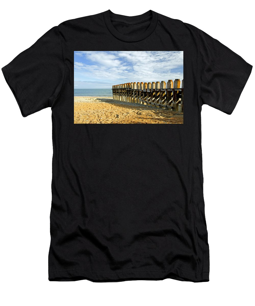 Isle Of Wight Men's T-Shirt (Athletic Fit) featuring the photograph Ventnor Beach Groyne by Rod Johnson