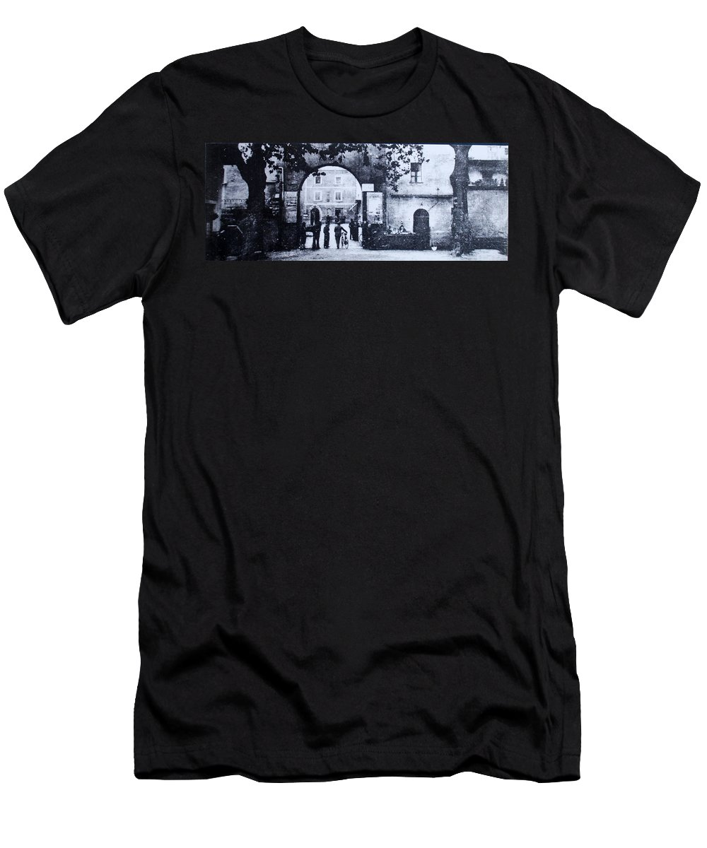 Tuscany Men's T-Shirt (Athletic Fit) featuring the photograph Villafranca by Kurt Hausmann