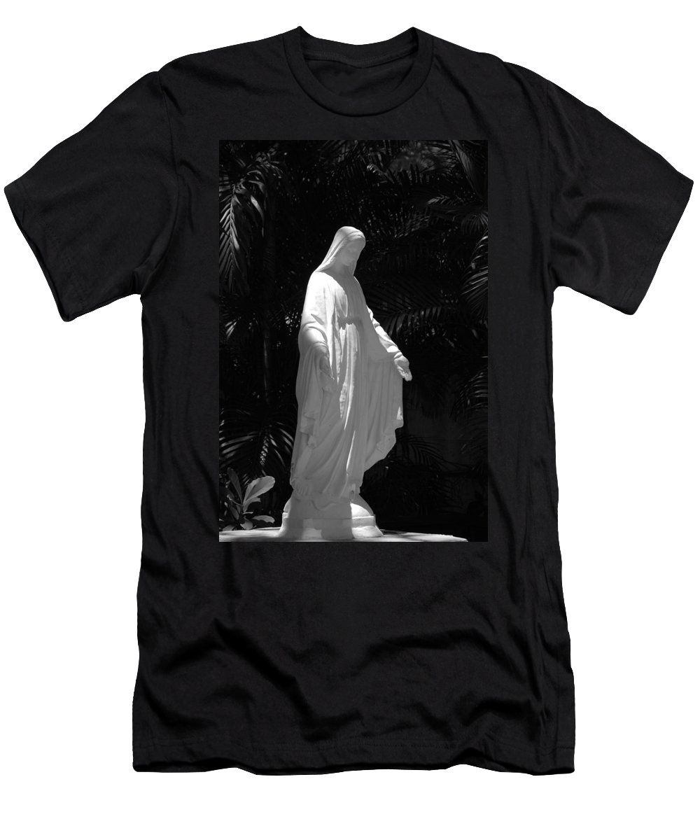 Black And White Men's T-Shirt (Athletic Fit) featuring the photograph Virgin Mary In Black And White by Rob Hans