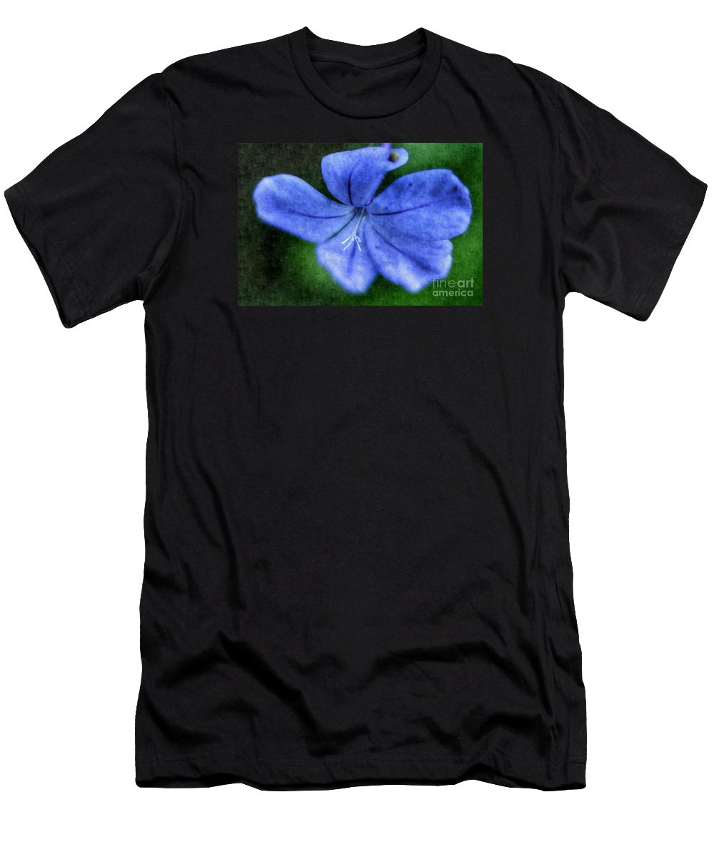 Flower Men's T-Shirt (Athletic Fit) featuring the photograph Vivid Periwinkle by Glenn Forman