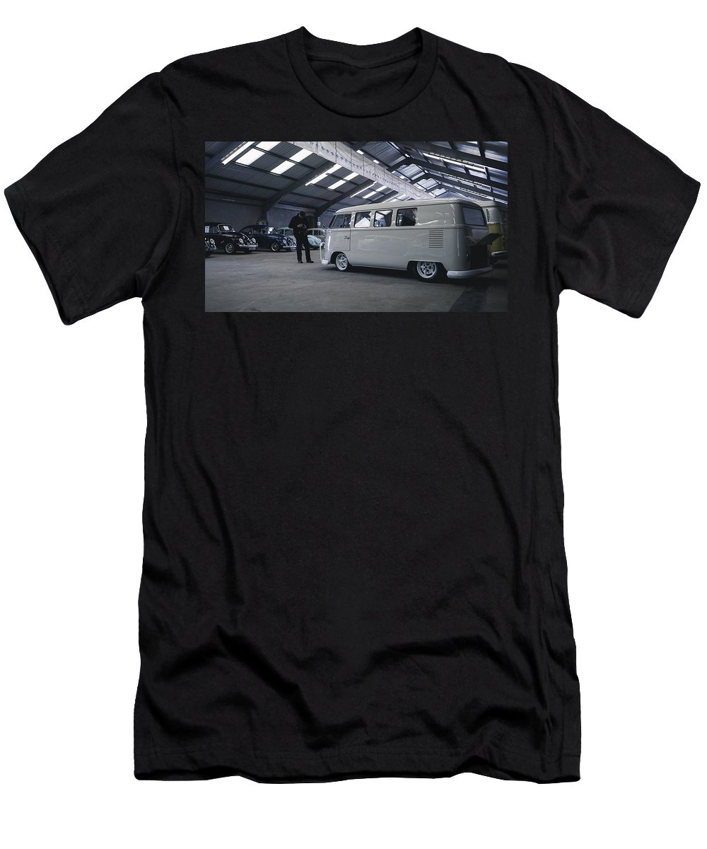 Volkswagen Microbus T-Shirt featuring the photograph Volkswagen Microbus by Mariel Mcmeeking