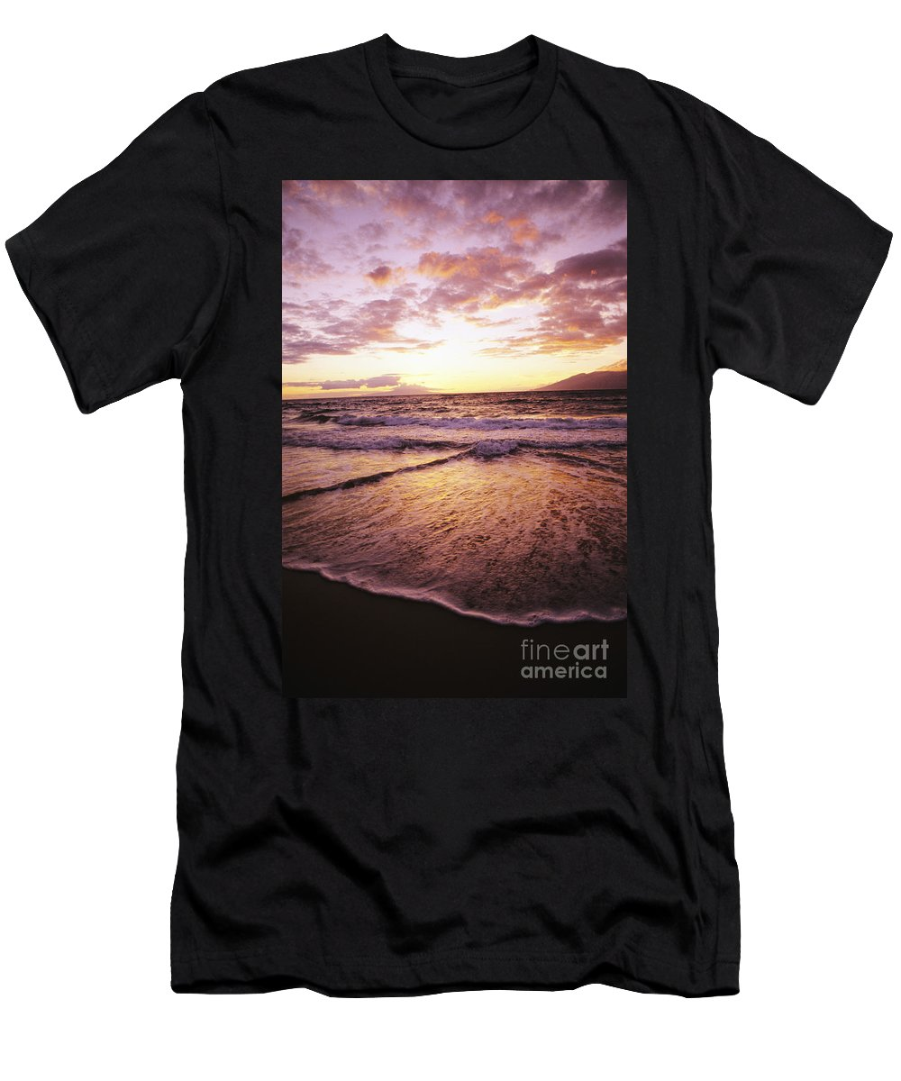 Ashore Men's T-Shirt (Athletic Fit) featuring the photograph Wailea Beach At Sunset by Joe Carini - Printscapes