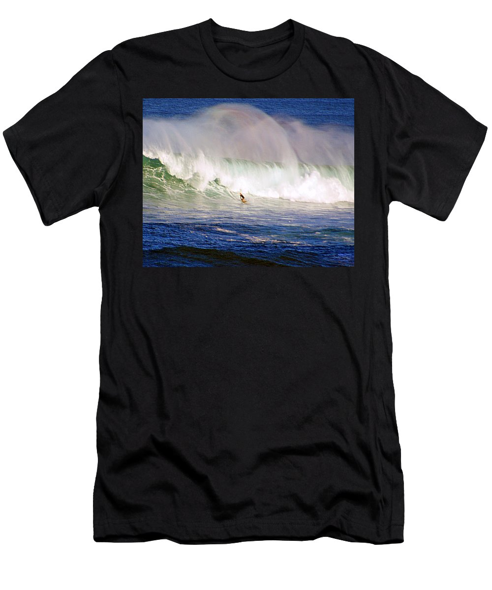 Contest T-Shirt featuring the photograph Waimea Bay Wave by Kevin Smith