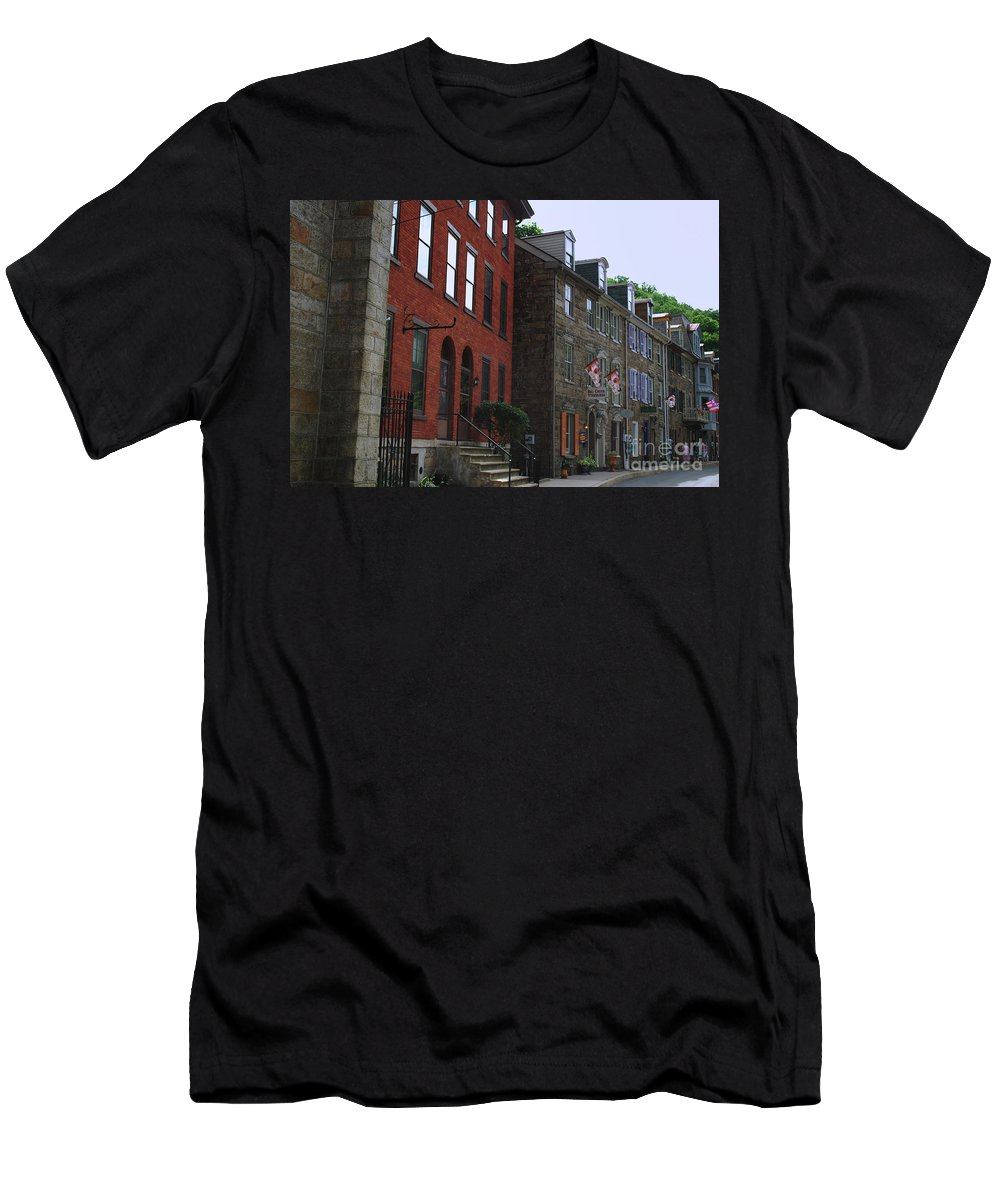 Architecture Men's T-Shirt (Athletic Fit) featuring the photograph Waiting For The Shoppers by Lori Tambakis