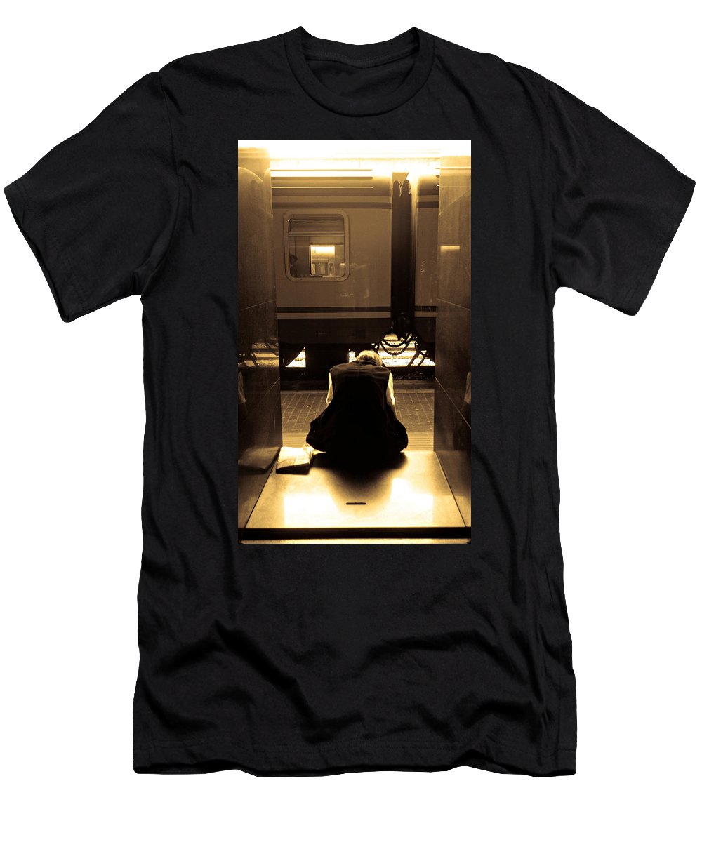 Train Men's T-Shirt (Athletic Fit) featuring the photograph Waiting For The Train by Scott Sawyer