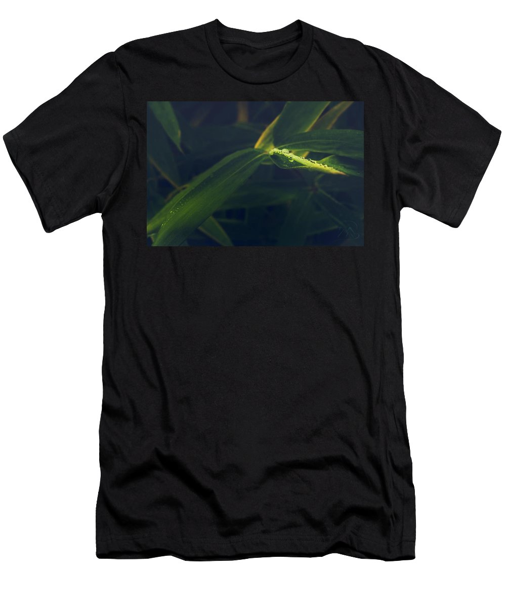 Dew Men's T-Shirt (Athletic Fit) featuring the photograph Water Catcher by Gene Garnace