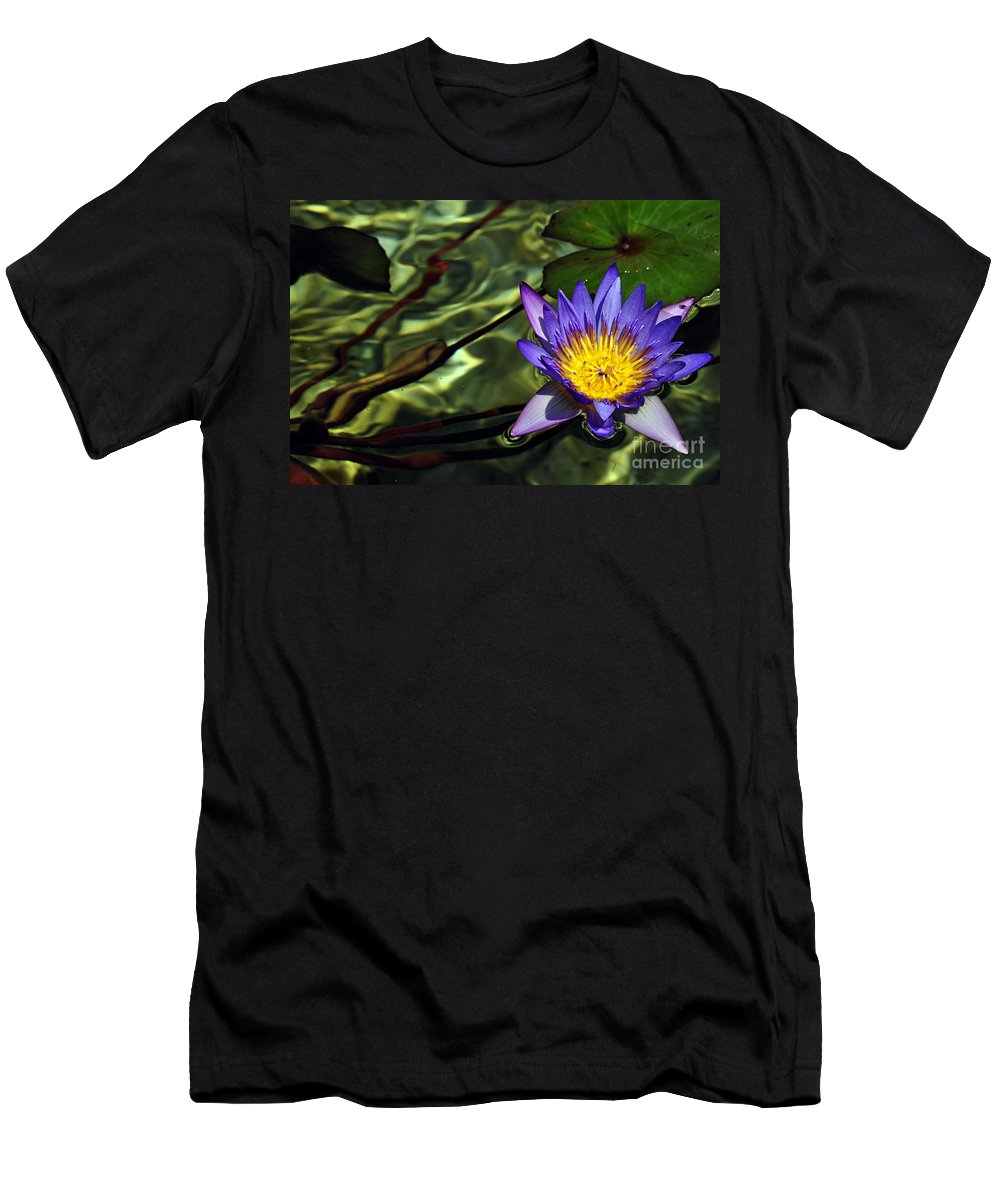 Clay Men's T-Shirt (Athletic Fit) featuring the photograph Water Floral by Clayton Bruster