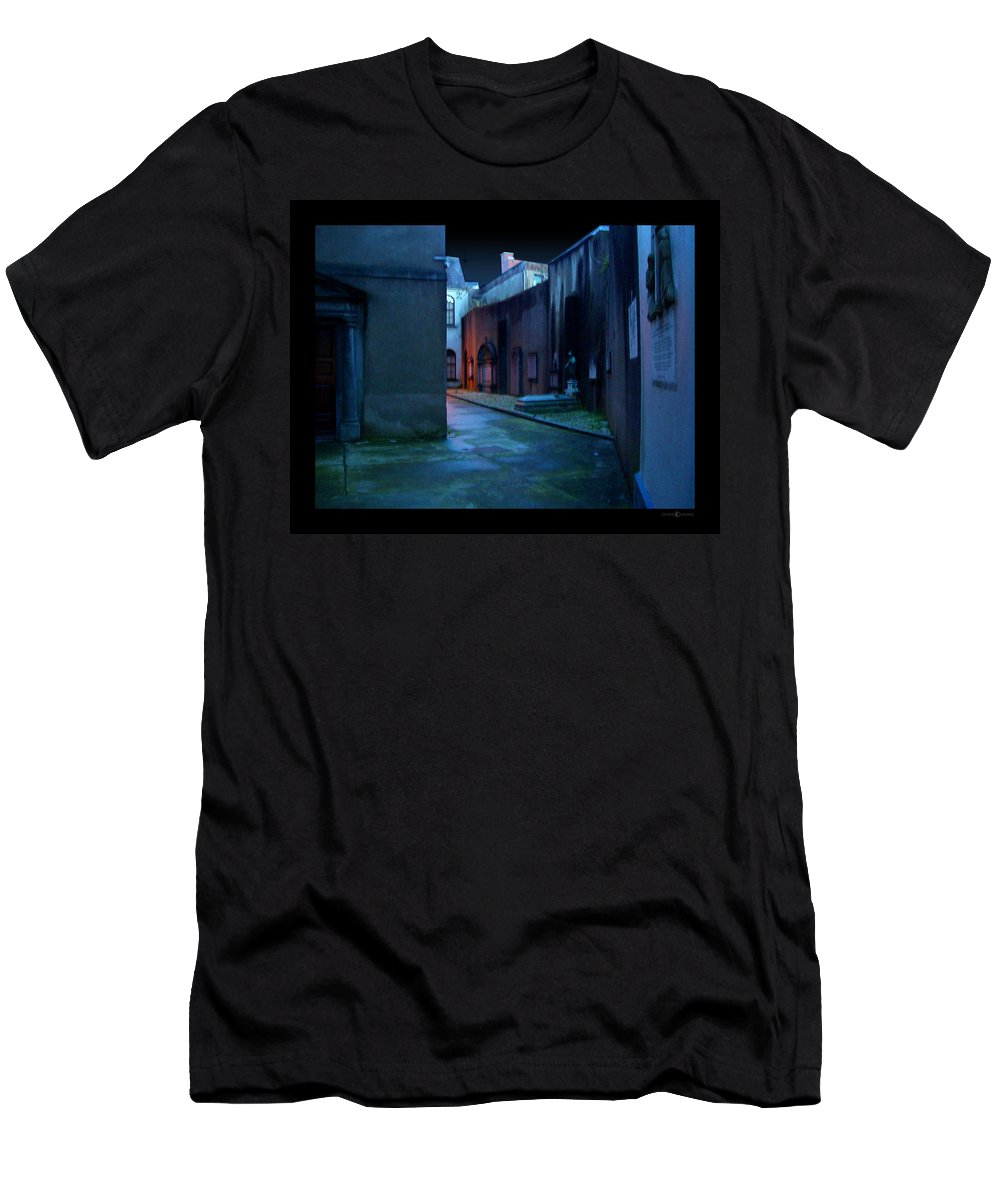 Waterford Men's T-Shirt (Athletic Fit) featuring the photograph Waterford Alley by Tim Nyberg