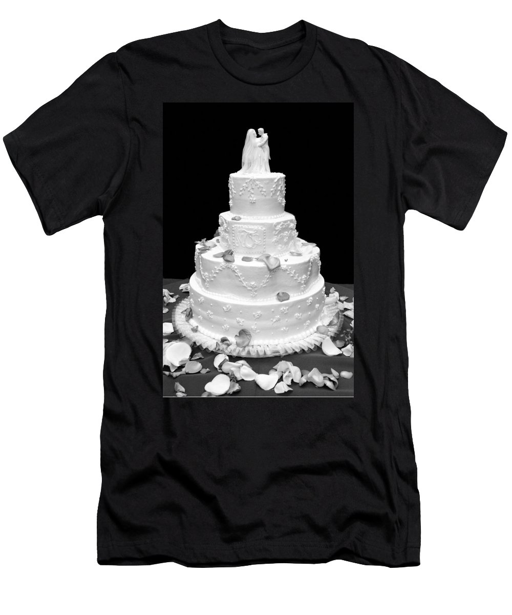Wedding Men's T-Shirt (Athletic Fit) featuring the photograph Wedding Cake by Marilyn Hunt