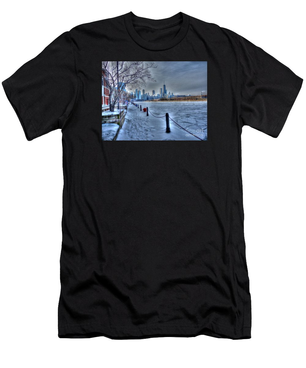 Chicago Illinois Men's T-Shirt (Athletic Fit) featuring the photograph West From Navy Pier by David Bearden