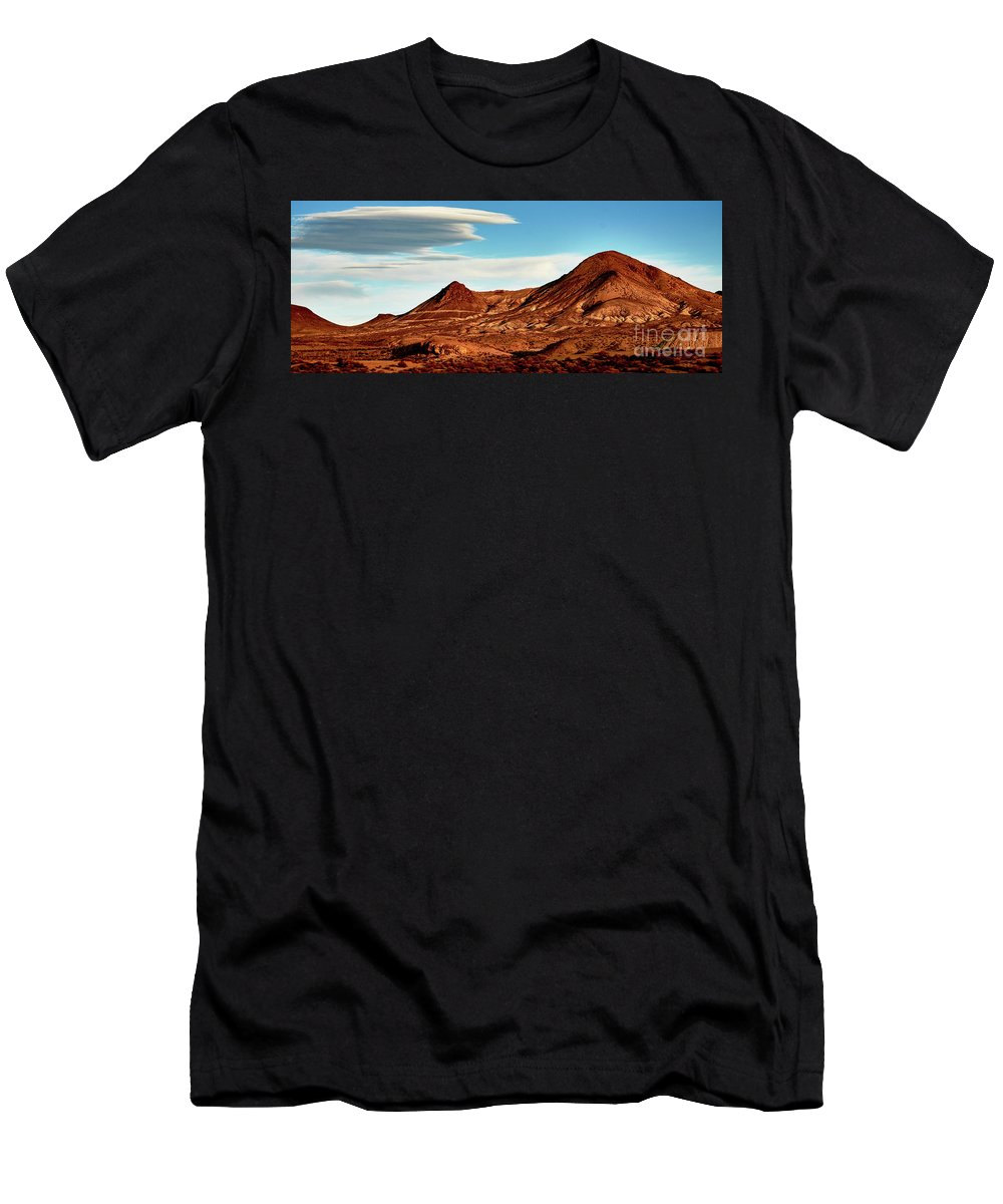 Clouds Men's T-Shirt (Athletic Fit) featuring the photograph Western Mountain Scene by Stanton Tubb